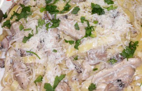 Паста Талиателе със Пилешко Алфредо сос